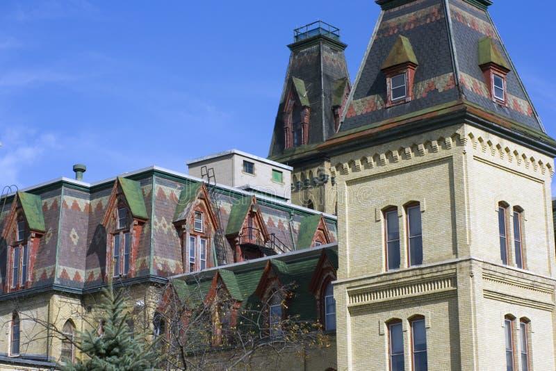 Vecchio edificio di Adminiastration a Milwaukee fotografia stock libera da diritti