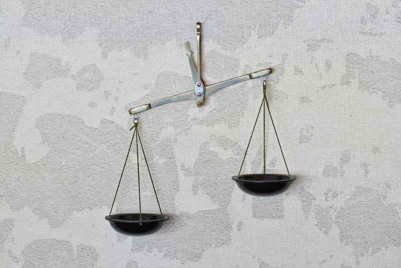 Vecchio equilibrio preciso immagine stock