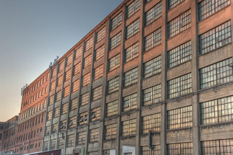 Vecchio fabbricato industriale fotografie stock libere da diritti