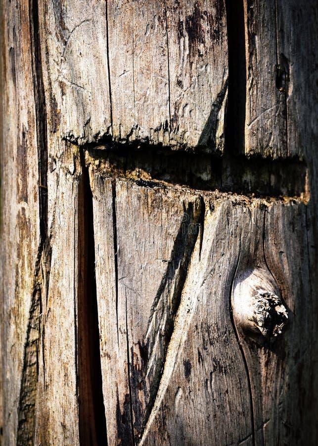 Vecchio fascio dalla scanalatura di sawing immagini stock