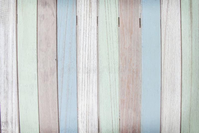Vecchio fondo di legno multicolore della parete, estratto naturale dei modelli fotografie stock