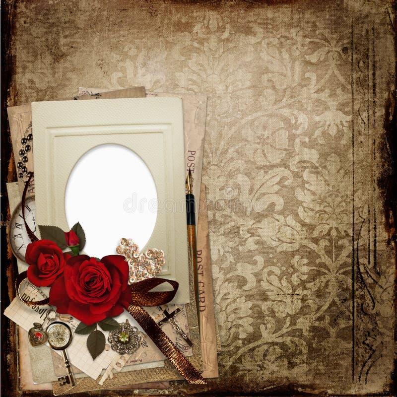 Vecchio fondo misero d'annata con la struttura, le rose, le carte ed i retro ornamenti illustrazione vettoriale