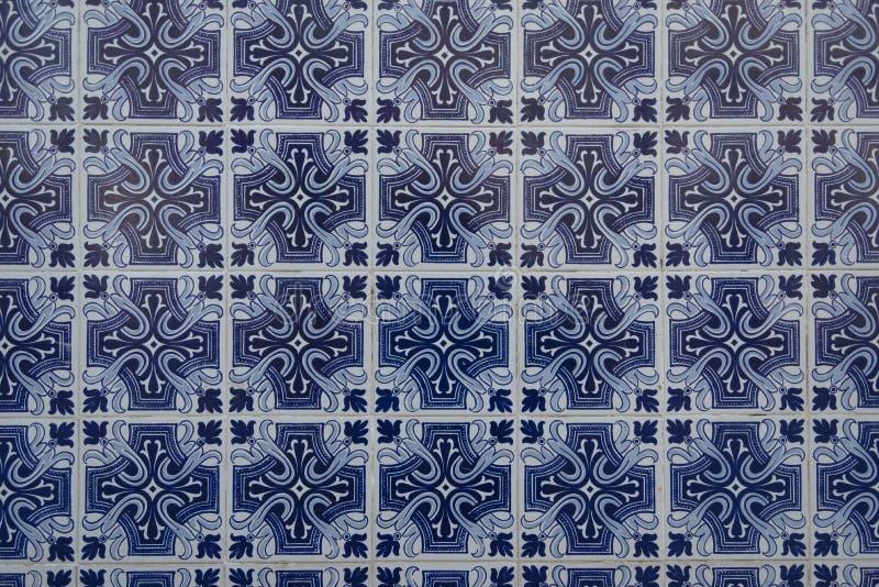 Download Vecchio Fondo Tipico Delle Mattonelle Da Portogal Fotografia Stock - Immagine di mattonelle, costruzione: 104768190