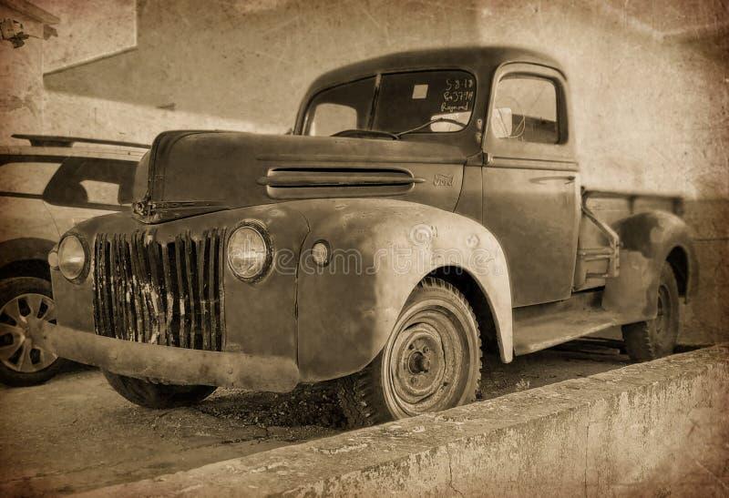 Vecchio furgone di FORD immagini stock