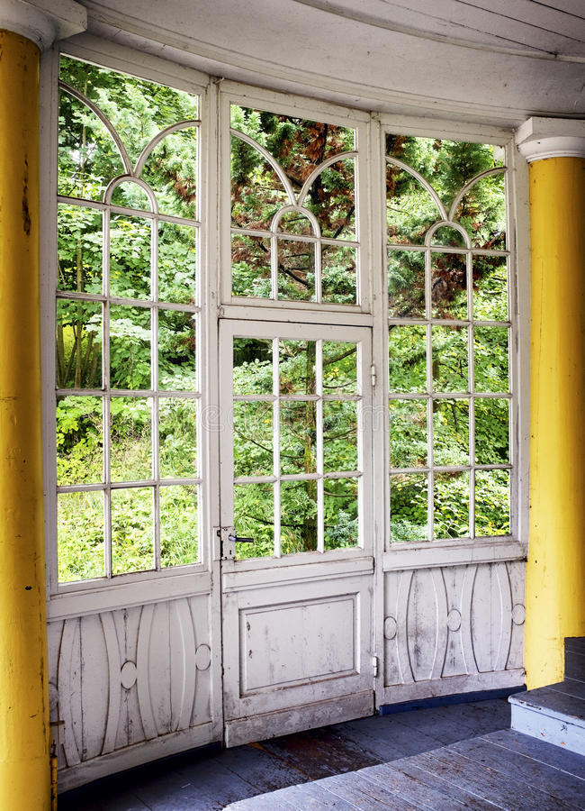 Vecchio giardino di inverno fotografia stock