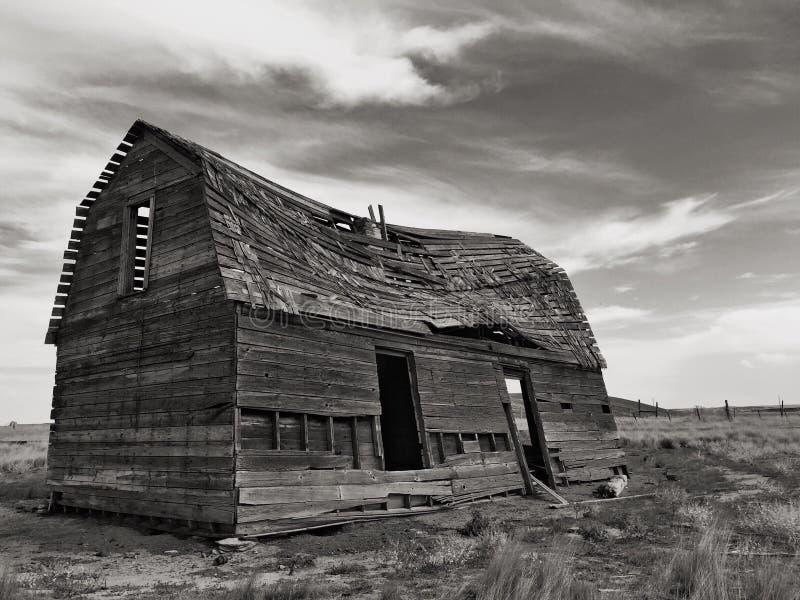 Vecchio granaio o casa fotografie stock