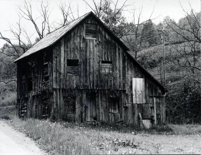 Vecchio, granaio rustico fotografie stock