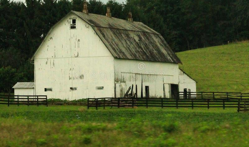 Vecchio granaio stagionato nell'Ohio fotografie stock