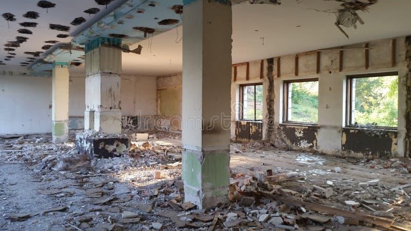 Vecchio hotel abbandonato Cesalpina fotografie stock