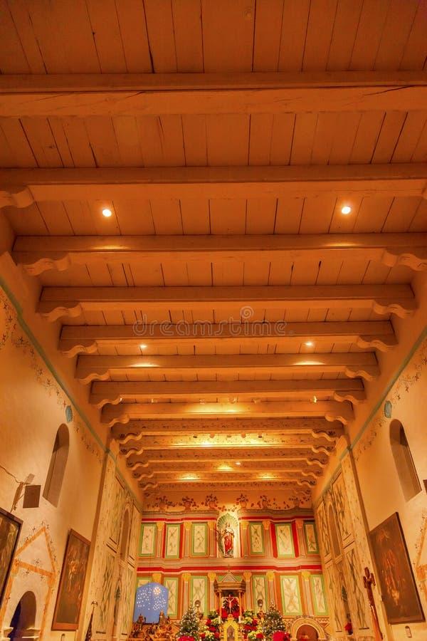 Vecchio incrocio A di Santa Ines Solvang California Basilica Altar di missione fotografie stock libere da diritti