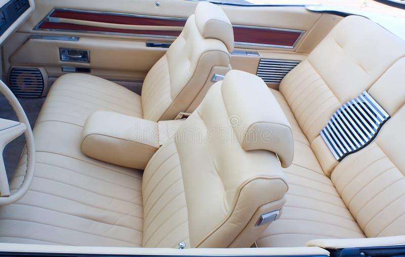 Vecchio interiore del cabriolet fotografia stock libera da diritti