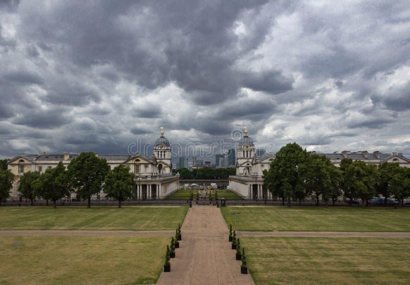 Vecchio istituto universitario navale reale dal parco di Greenwich immagini stock libere da diritti