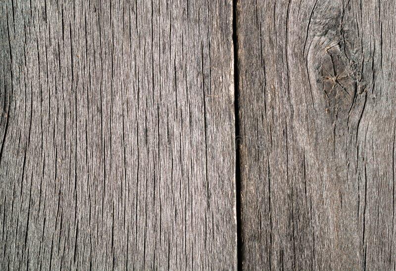 Vecchio legno grezzo annodato incrinato marcio stagionato fotografie stock