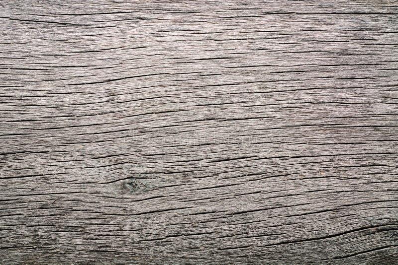 Vecchio legno grezzo annodato incrinato marcio stagionato immagine stock