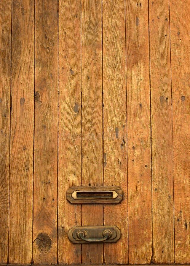 Vecchio letterbox di legno immagini stock