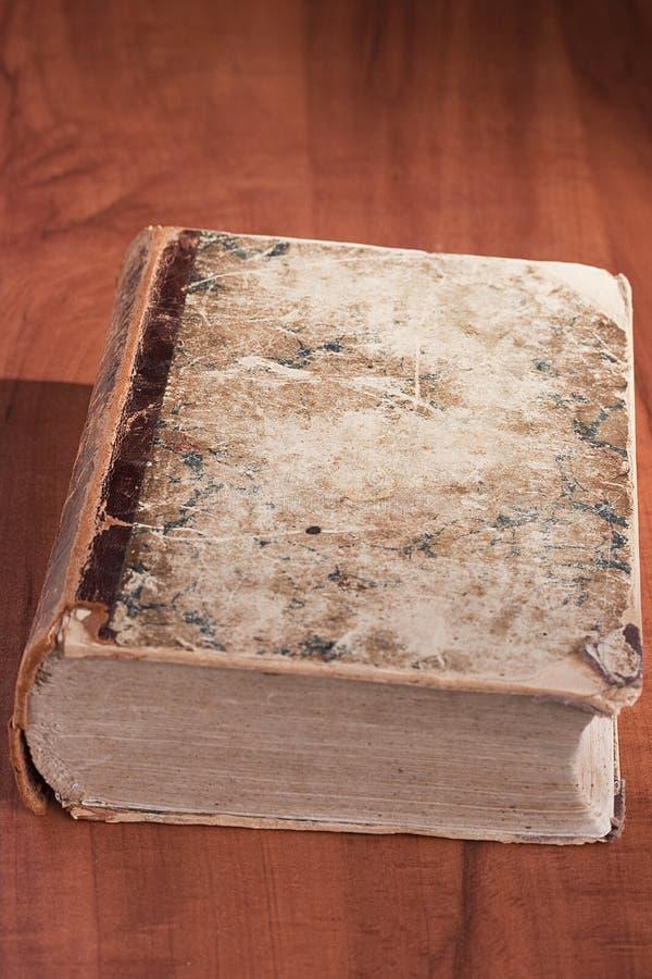 Vecchio libro delle biblioteche immagine stock libera da diritti