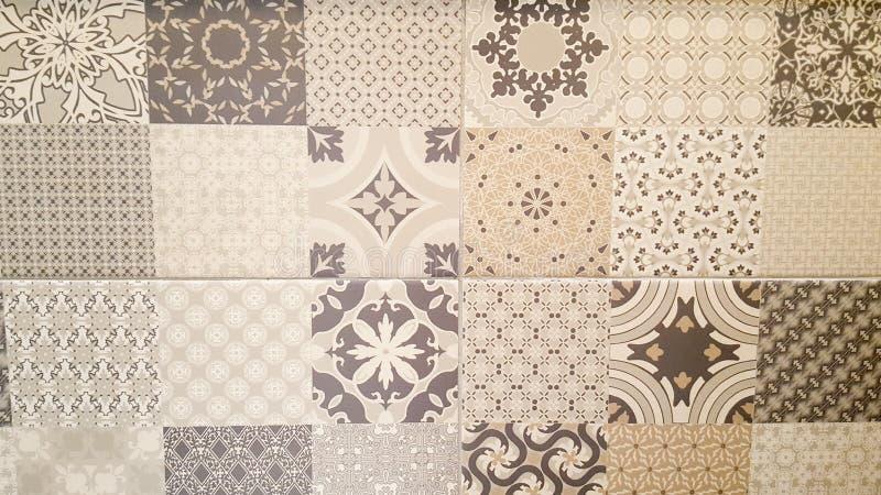 Vecchio modello astratto delle mattonelle della parete della pittura ad olio di arte decorativa della casa del mosaico delle matt fotografia stock libera da diritti