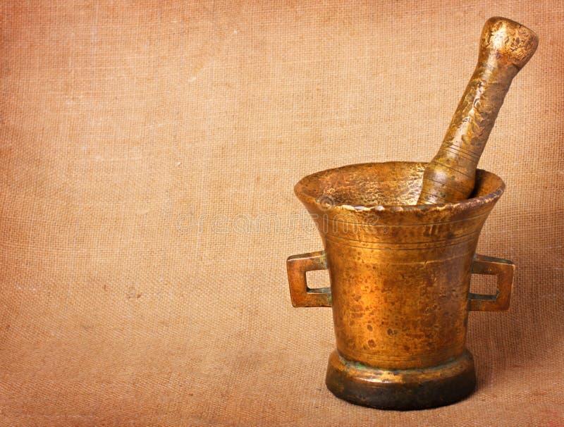Vecchio mortaio bronze fotografia stock libera da diritti