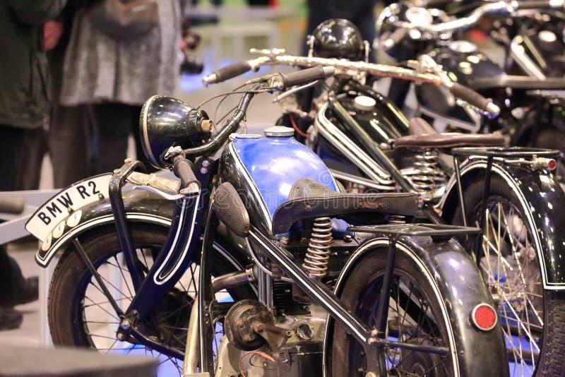 Vecchio motociclo nero e blu fotografia stock libera da diritti
