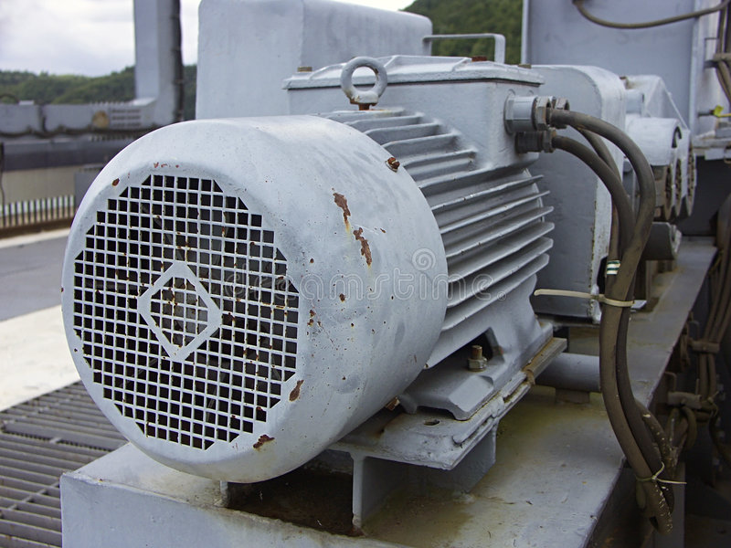 Download Vecchio motore fotografia stock. Immagine di industriale - 206122