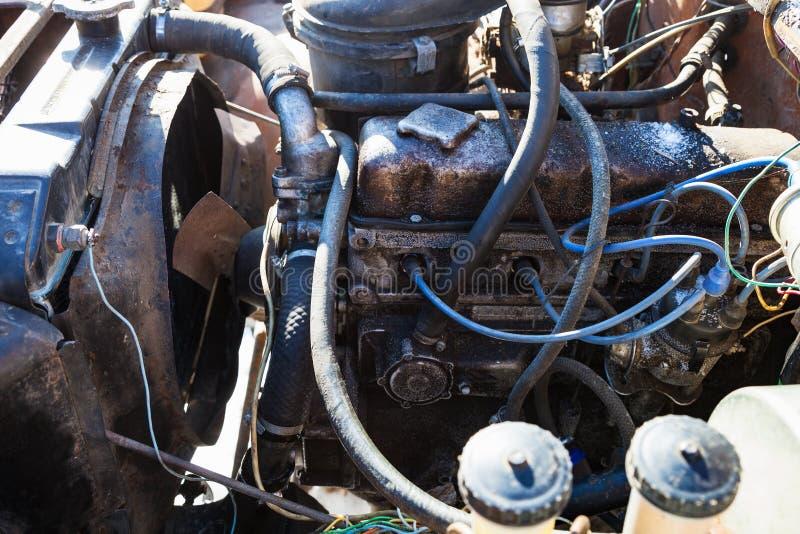 Vecchio motore di automobile fotografia stock libera da diritti