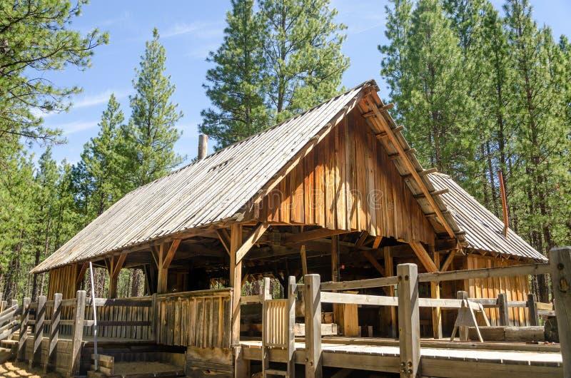 Vecchio mulino del legname fotografie stock libere da diritti