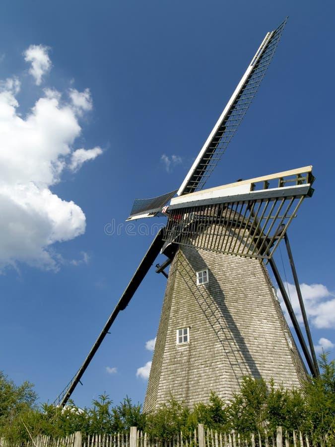 Vecchio mulino a vento. immagine stock