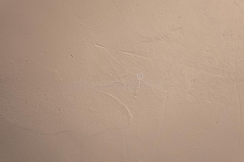 Vecchio muro di cemento bianco con gesso, struttura senza cuciture della foto del fondo fotografia stock