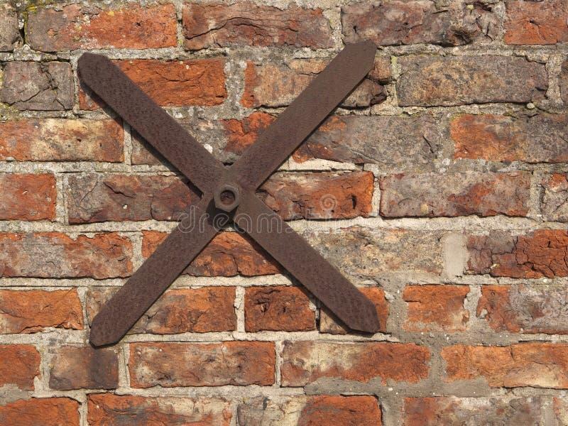 Vecchie mattonelle di tetto immagine stock immagine di for Mattonelle da muro