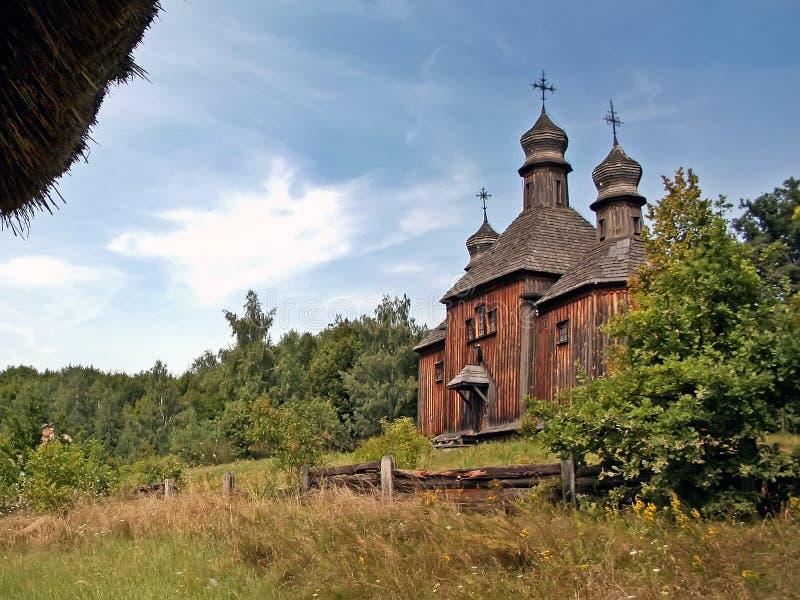 vecchio museo di legno Pirogovo Kiev della chiesa all'aperto immagine stock libera da diritti