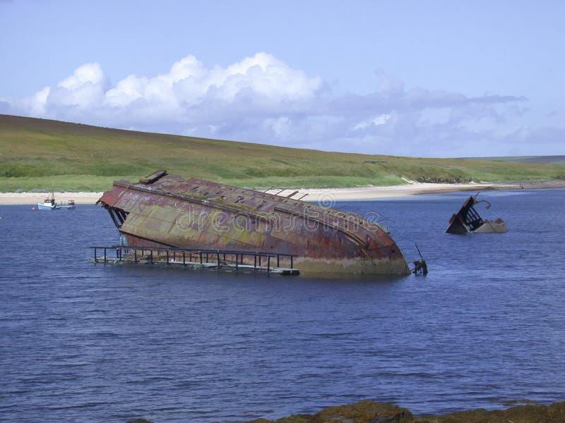 Vecchio naufragio nelle barriere di Churchill, Orkney, Scozia fotografia stock