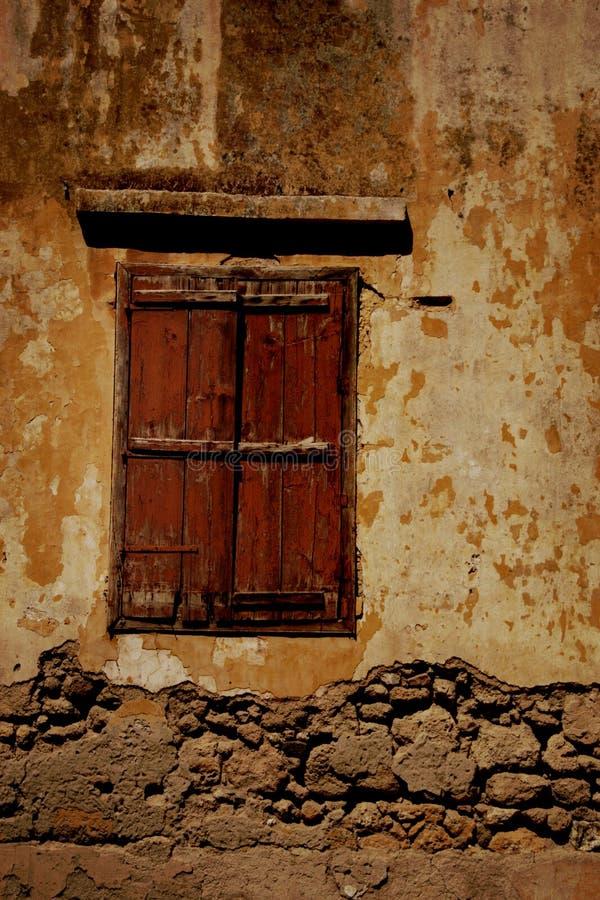 Vecchio otturatore della finestra immagine stock libera da diritti