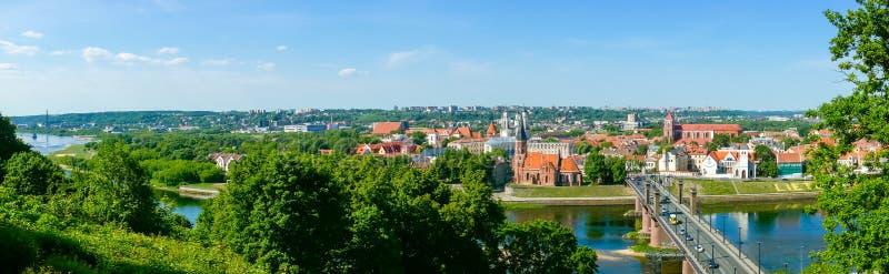 Download Vecchio Paesaggio Di Tempo Di Giorno Della Città Di Kaunas Immagine Stock - Immagine di architettura, fiume: 56878105