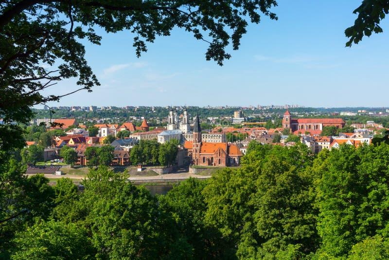 Download Vecchio Paesaggio Di Tempo Di Giorno Della Città Di Kaunas Fotografia Stock - Immagine di skyline, collina: 56878260