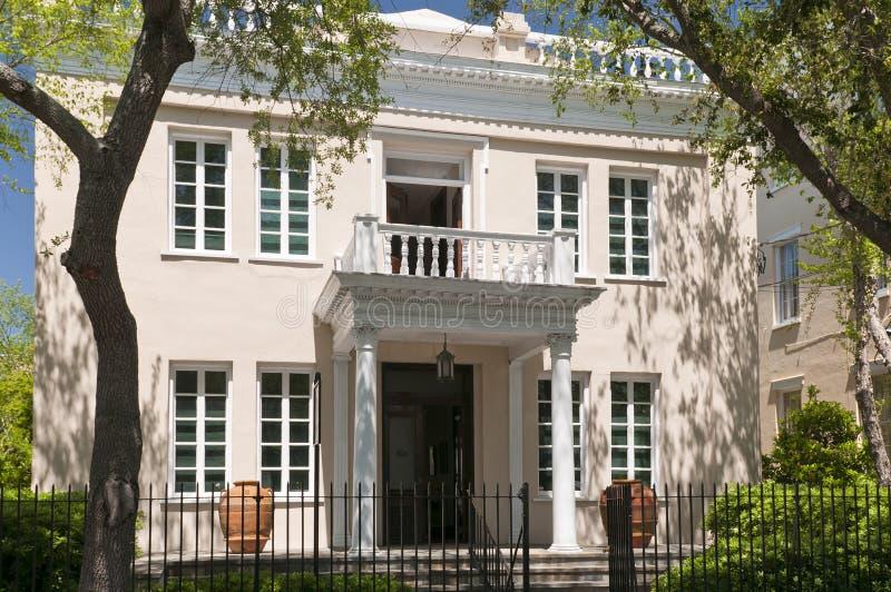 Vecchio palazzo del sud di lusso fotografie stock libere da diritti