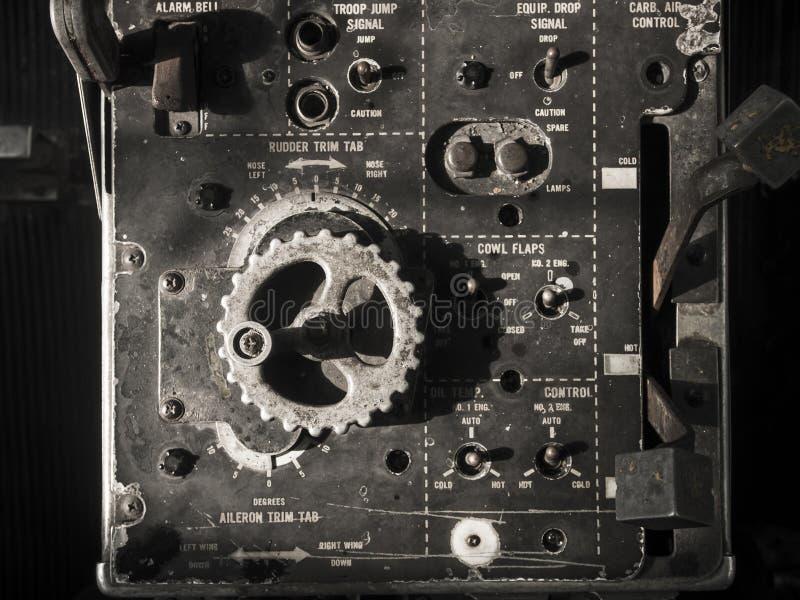 Download Vecchio pannello di bordi fotografia stock. Immagine di grado - 55356502