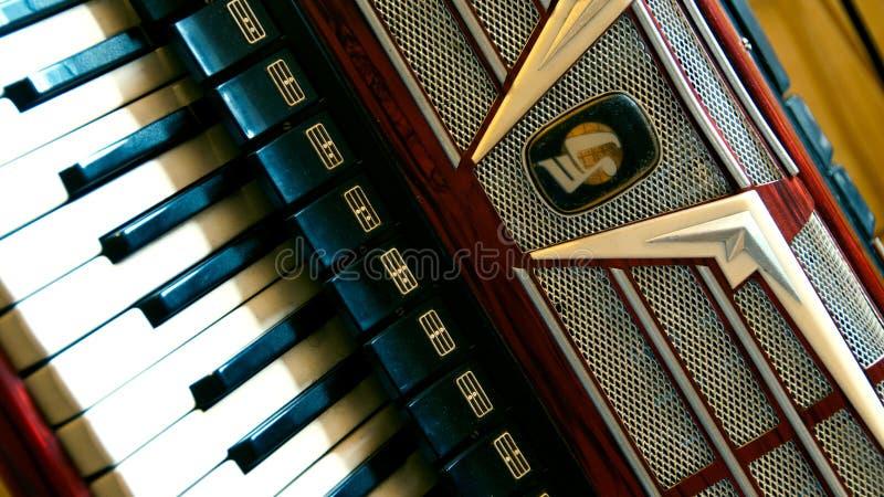 Vecchio pannello frontale d'annata della fisarmonica fotografie stock