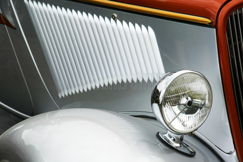 Vecchio particolare d'argento dell'automobile fotografia stock