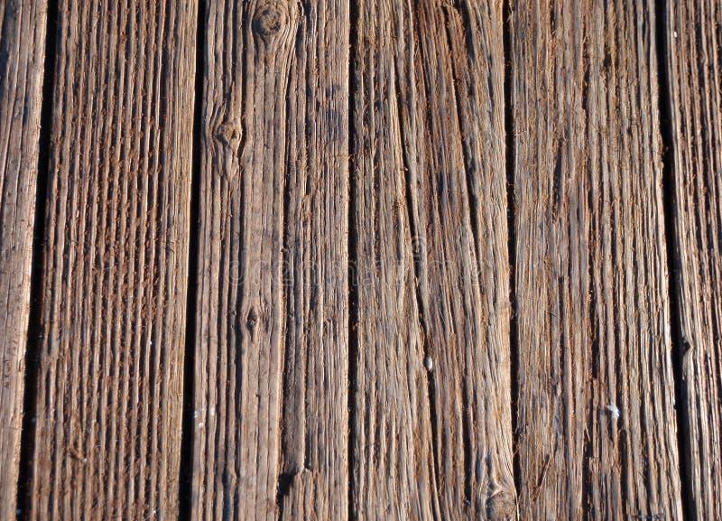 Vecchio passaggio pedonale di legno beat-up fotografia stock