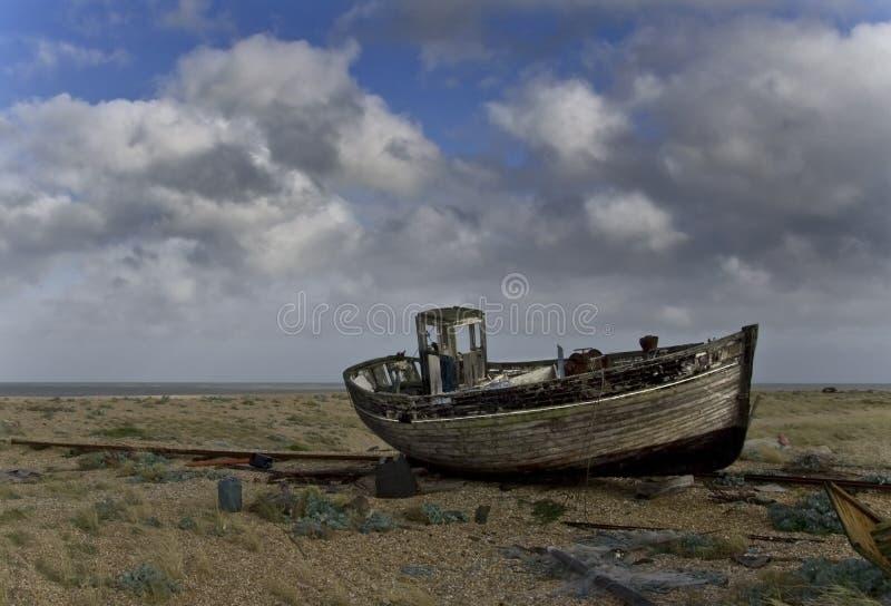 Vecchio peschereccio analizzato fotografia stock