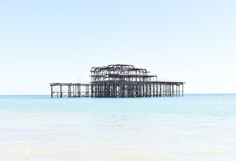 Vecchio pilastro d'arrugginimento ad ovest a Brighton, Regno Unito fotografie stock libere da diritti