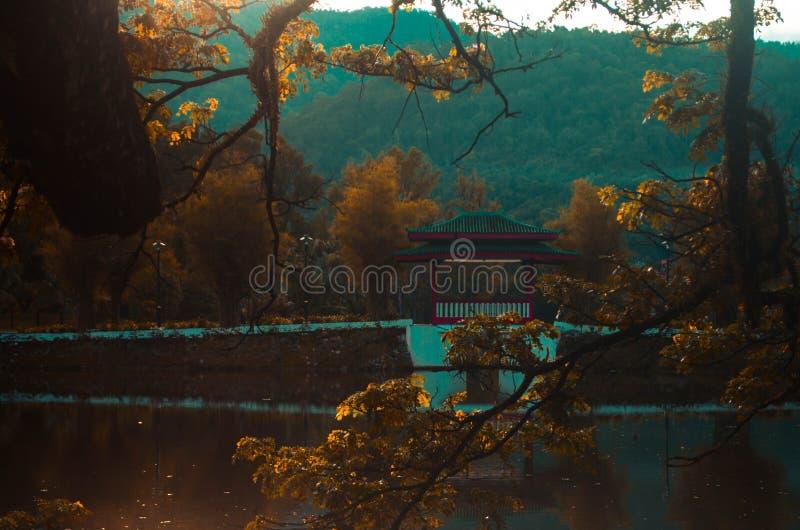 Vecchio ponte cinese fotografie stock