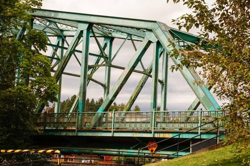 Vecchio ponte d'acciaio immagini stock libere da diritti