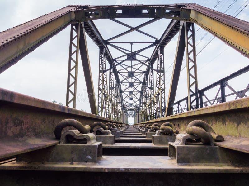 Vecchio ponte del treno fotografie stock libere da diritti