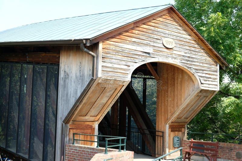 Vecchio ponte di legno di Salem fotografia stock libera da diritti
