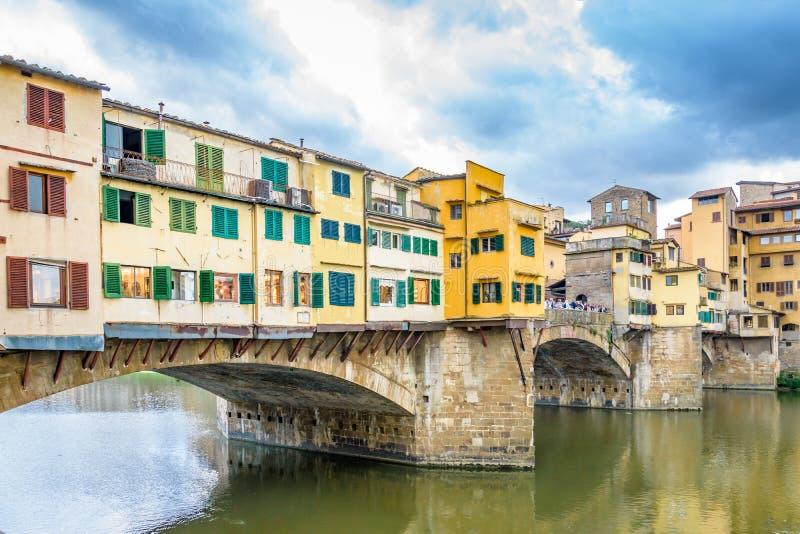 Vecchio ponte di Ponte Vecchio a Firenze L'Italia fotografia stock