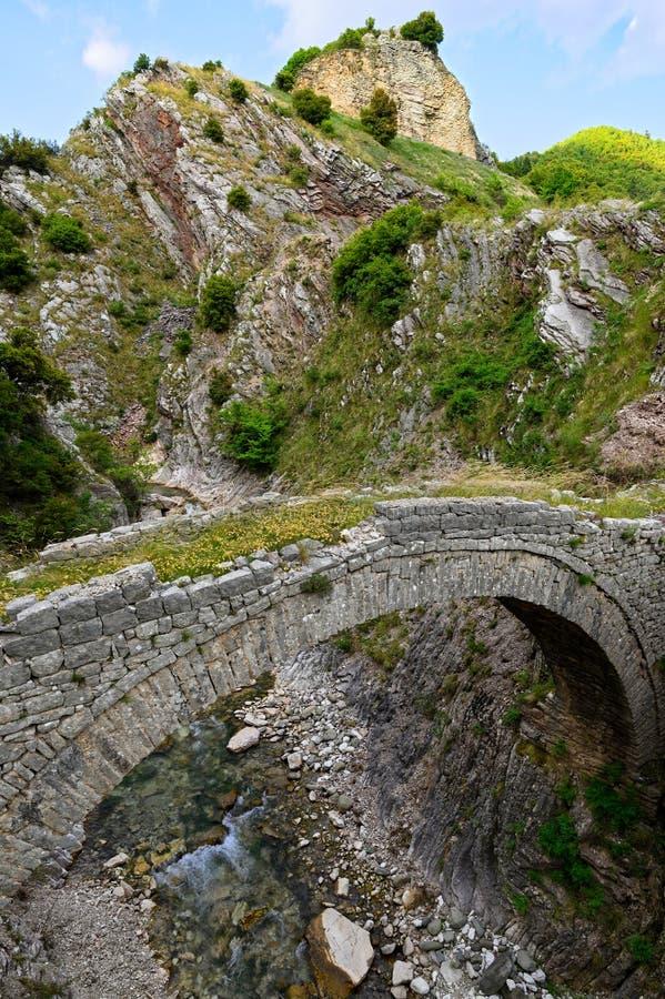 Vecchio ponte in Grecia immagini stock libere da diritti