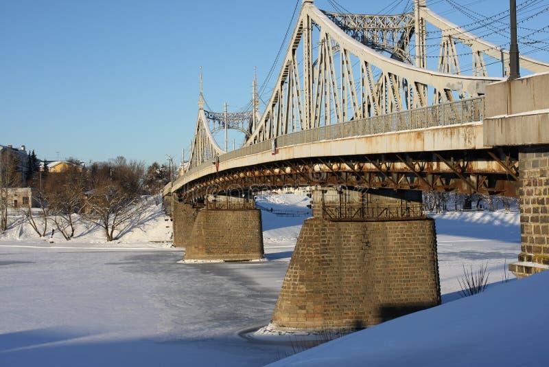 Vecchio ponte nella città di Tver' fotografie stock