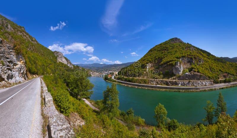 Vecchio ponte sul fiume di Drina Visegrad - in Bosnia-Erzegovina immagine stock libera da diritti