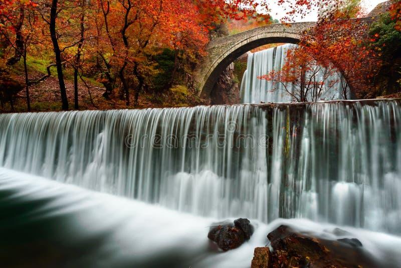 Vecchio ponte a Trikala Grecia fotografia stock libera da diritti